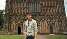 eddie-redmayne-at-lichfield-cathedral_cropped-267x155